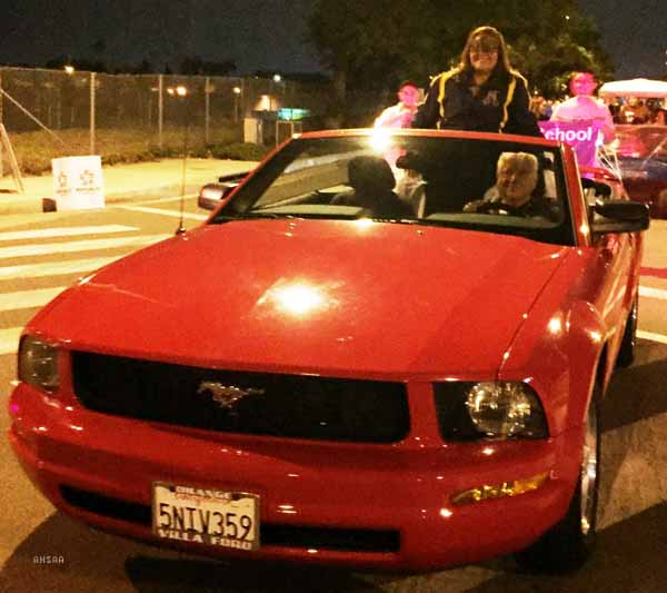 """Anaheim Shows """"Spooktacular"""" Spirit In 2016 Halloween Parade"""